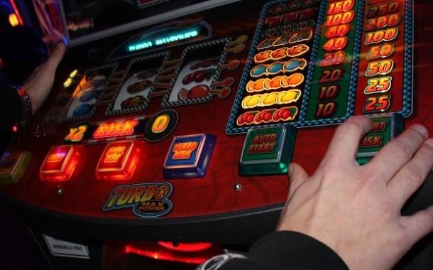 Praha úplně zakázala herny, chce město vyvětrat od lidového hazardu. A co Šternberk?