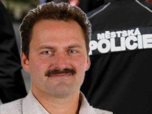Čtyři roky nepodmíněně v pondělí dostal bývalý šéf městské policie ve Šternberku Pavel Pospíšil