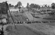 Ostatky dětí a žen z šíleného masakru odvezou z Olomouce